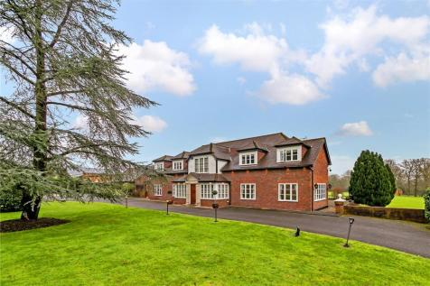Galley Lane, Barnet. 5 bedroom equestrian facility for sale