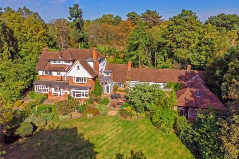 New Road, Welwyn, Hertfordshire. 7 bedroom detached house for sale