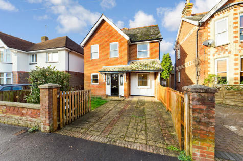 Bedford Road, Horsham. 4 bedroom detached house for sale