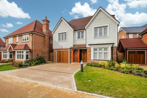 River Walk, Horsham. 4 bedroom detached house for sale