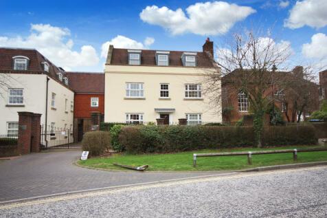 Mitre Court, Worthing Road, Horsham. 2 bedroom apartment