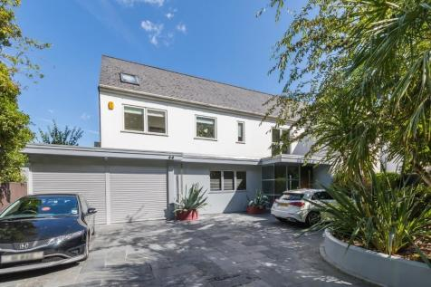 Withdean Road, Brighton, East Sussex, BN1. 7 bedroom detached house for sale
