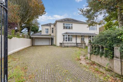 Dyke Road Avenue, Brighton, East Sussex, BN1. 6 bedroom detached house