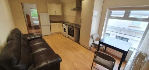 Gordon Road, Cardiff. 1 bedroom flat