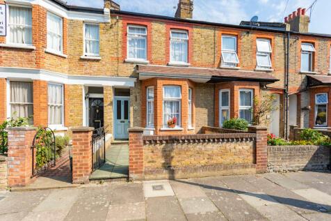 Glenfield Road, Northfields. 3 bedroom terraced house