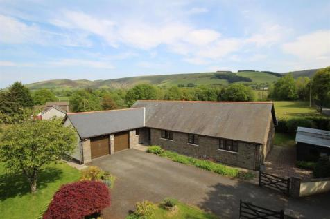 Llangammarch Wells, Powys, LD4, Mid Wales - Detached Bungalow / 4 bedroom detached bungalow for sale / £325,000