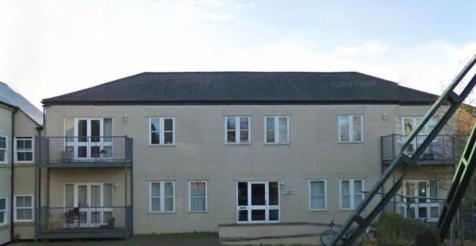 Jean Marguerite Court (South Oxford). 2 bedroom flat