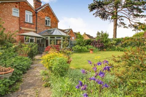 Stroud Road, Gloucester. 5 bedroom detached house for sale