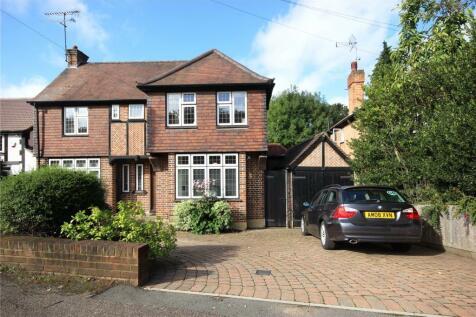 Bowers Way, Harpenden, Hertfordshire, AL5. 4 bedroom detached house
