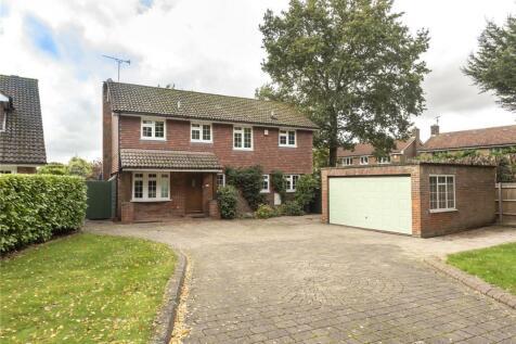 Medlows, Harpenden, Hertfordshire, AL5. 4 bedroom detached house