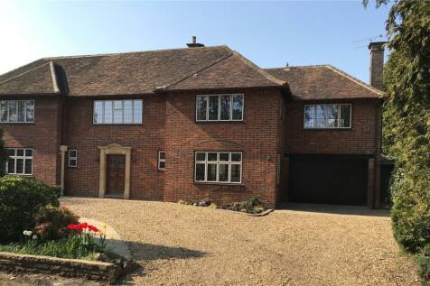 High Elms, Harpenden, Hertfordshire, AL5. 4 bedroom semi-detached house