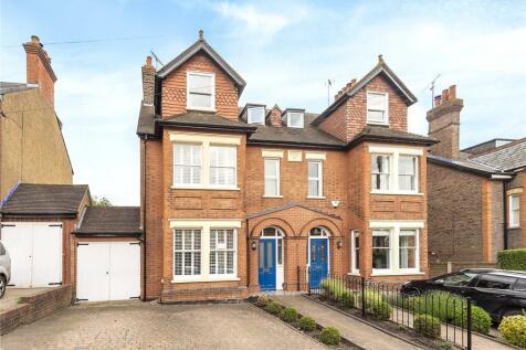 Clarence Road, Harpenden, Hertfordshire, AL5. 5 bedroom semi-detached house