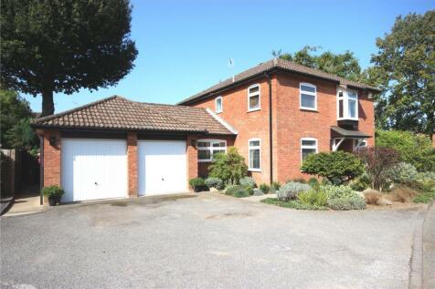 Hartwell Gardens, Harpenden, Hertfordshire, AL5. 4 bedroom detached house