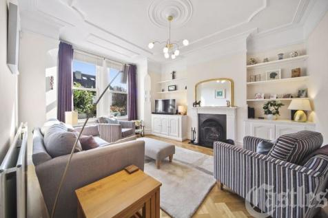 Rokesly Avenue, N8. 4 bedroom end of terrace house for sale