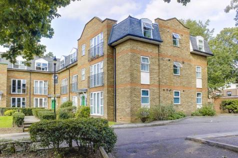 Foxwood Green Close, Enfield. 2 bedroom flat