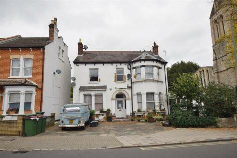 Lennard Road, LONDON. 1 bedroom detached house for sale