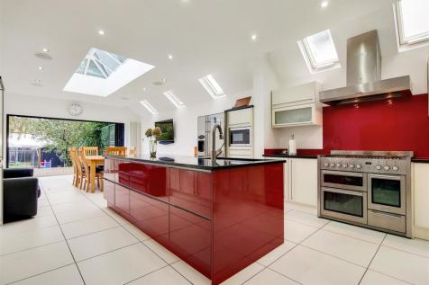 Station Road , Loughton, Essex , IG10 4NX. 5 bedroom semi-detached house for sale