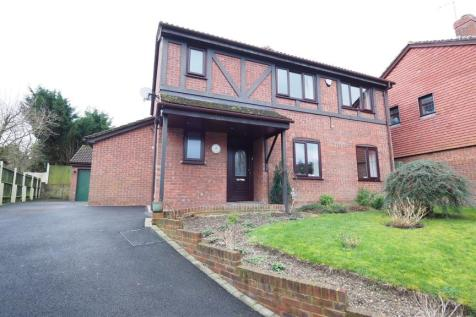 Cotswold Gardens, Downswood, Maidstone. 4 bedroom detached house