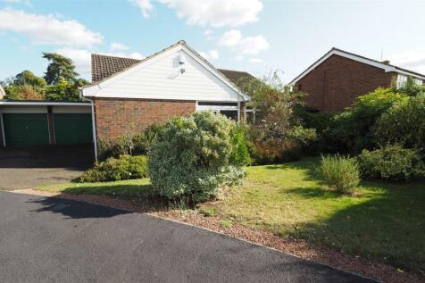 Nursery Avenue, Bearsted, Maidstone. 3 bedroom bungalow