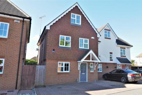 The Landway, Bearsted, Maidstone. 4 bedroom semi-detached house
