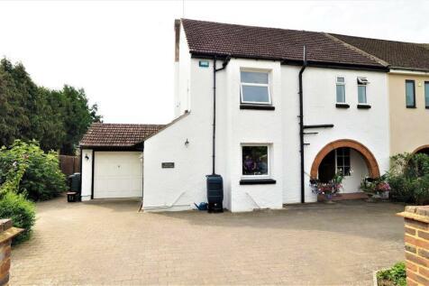Tower Lane, Bearsted, Maidstone. 3 bedroom house