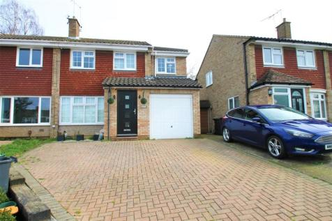 Cedar Close, Ditton, Aylesford. 4 bedroom semi-detached house