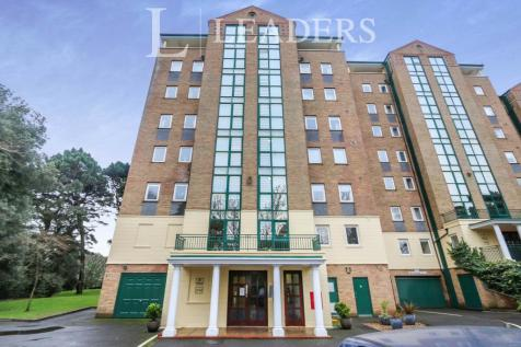 Manor Road, Bournemouth. 3 bedroom apartment