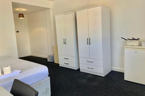 The Outlook, Glen Fern Road. 1 bedroom house share