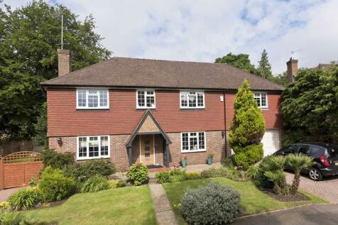 Kingswood Close, Weybridge, KT13. 5 bedroom detached house