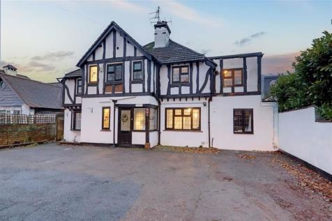 Poulters Lane, Worthing, West Sussex, BN14. 5 bedroom detached house for sale