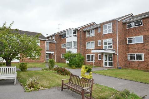 Hawthorn Gardens, Worthing, BN14 9LS. 2 bedroom flat