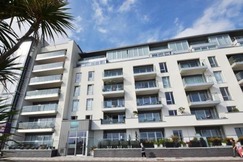 Beach Residence, Marine Parade, Worthing, BN11 3FN. 3 bedroom apartment