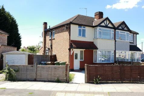 Culver Grove, Harrow, Middlesex, HA7. 3 bedroom semi-detached house