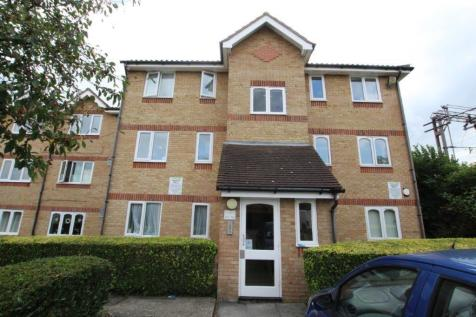 Waddington Close, Burleigh Road, London, EN1. 1 bedroom flat