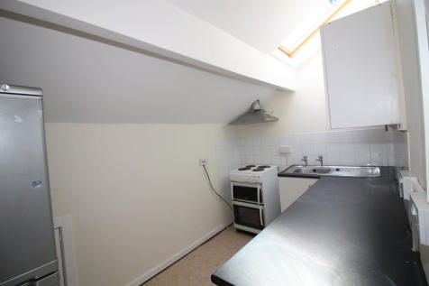 High Street, Rishton, BB1 4JZ. 2 bedroom flat