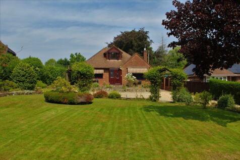 Jacobs Gutter Lane, Totton. 4 bedroom detached bungalow