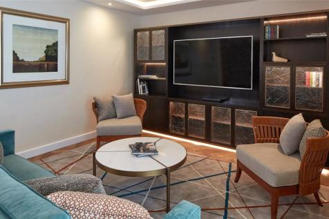 Gloucester Park Apartments, Ashburn Place, London, SW7. 3 bedroom apartment