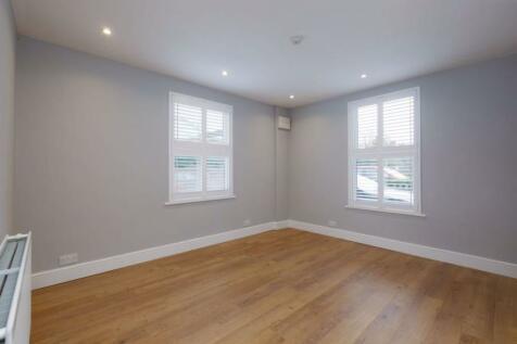 London Road, Riverhead TN13 2DT. 1 bedroom flat