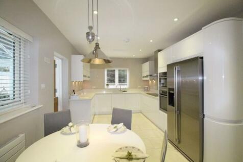Darenth Lane, Dunton Green TN13 2XR. 4 bedroom detached house