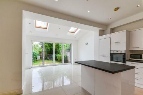 Avondale Road, Wimbledon. 4 bedroom house
