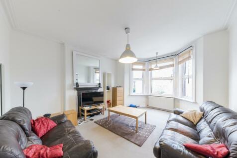 Ebbsfleet Road, London, NW2. 3 bedroom flat for sale