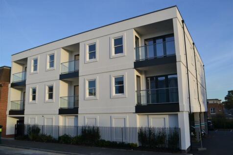 Queensway, Horsham. 2 bedroom apartment