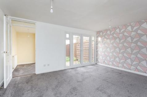 Puffin Walk, Waterlooville. 3 bedroom end of terrace house
