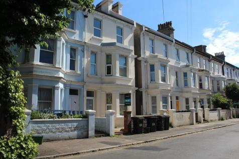 Langney Road, Eastbourne, East Sussex, BN21. 2 bedroom flat