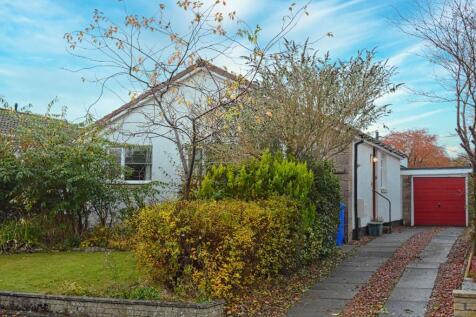 St Thomas' Place, Stirling, Stirling, FK7 9LX. 3 bedroom detached bungalow