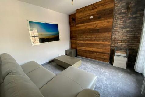 Rockingham Terrace, Neath, Neath Port Talbot. SA11 2PF. 2 bedroom flat