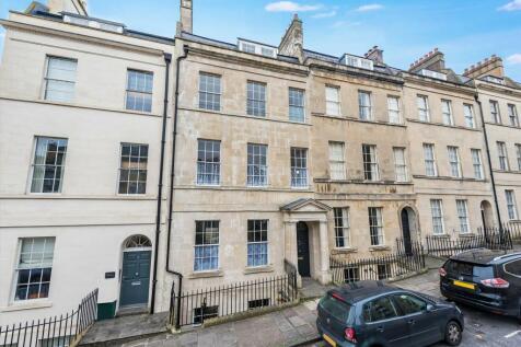 Northampton Street, Bath, Somerset, BA1. 6 bedroom terraced house for sale