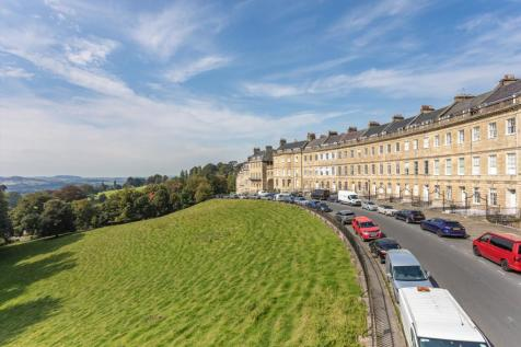 Lansdown Crescent, Bath, Somerset, BA1. 8 bedroom town house