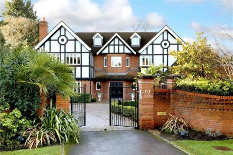 Camp Road, Gerrards Cross, Buckinghamshire, SL9. 5 bedroom detached house for sale