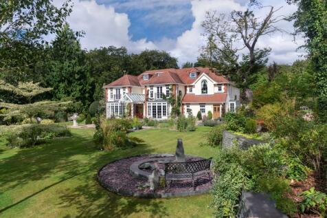 Burkes Road, Beaconsfield, Buckinghamshire, HP9. 6 bedroom detached house for sale
